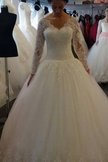 Gliter Tulle Ivory Ball Gown Wedding Dress with Scalloped Lace Trim